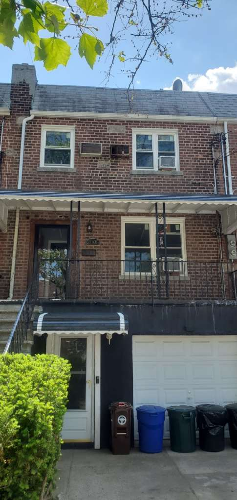 Project: Existing Gutter Replacement in the Bronx Project Shot 1