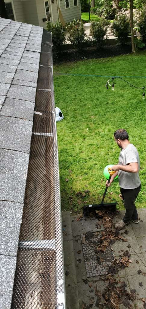 Project: Gutter Cleaning and New Filter Installation in Rochelle Project Shot 1